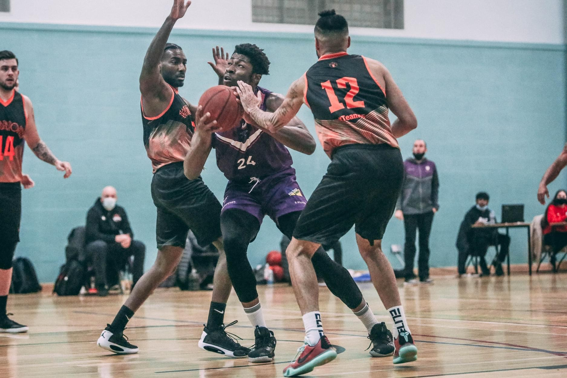 Riders prevail 99 – 97 on the road against Leicester Warriors