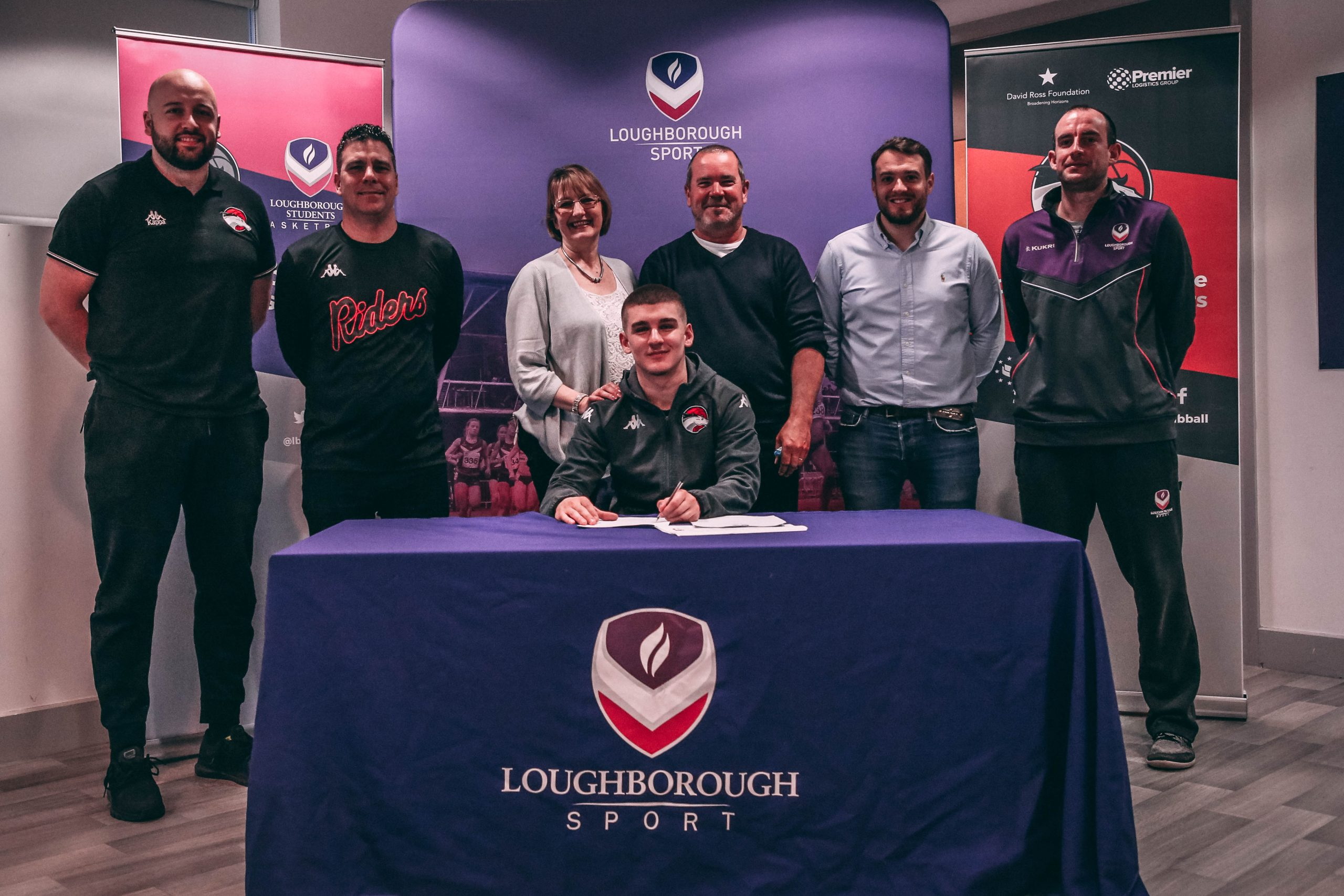 Greg Wild signs first professional contract