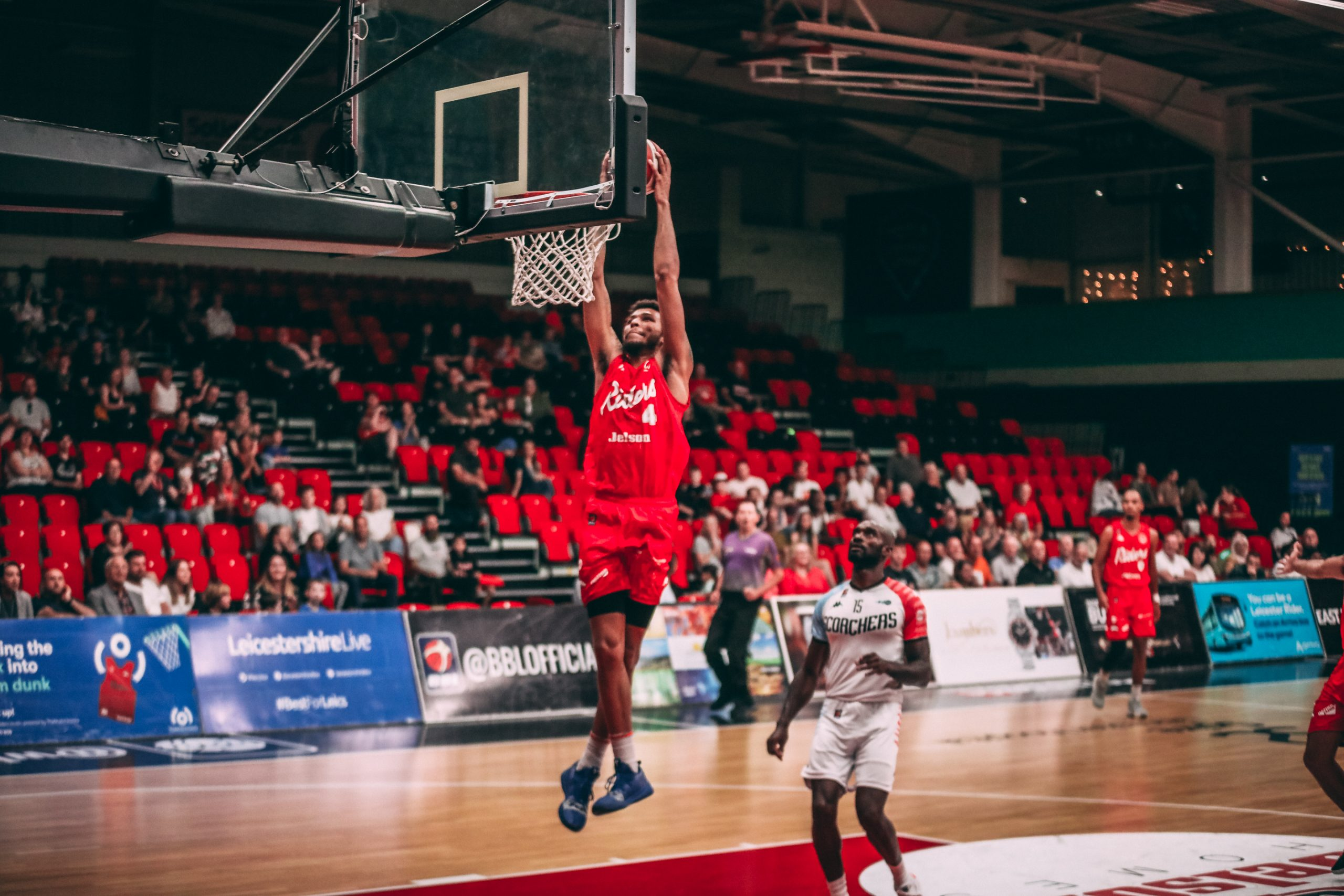 Riders bounce back with win over Scorchers